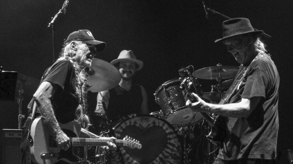 Willie Nelson, Anthony LoGerfo, Neil Young -Milano – 18 luglio 2016 (foto Giorgio Baratto ©)